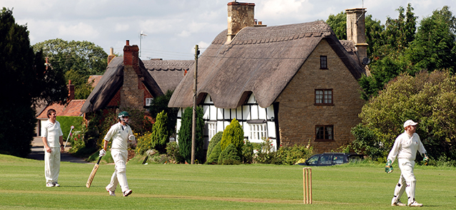 Village cricket at Elmley Castle, Worcestershire, England, UK. Image shot 2007. Exact date unknown.