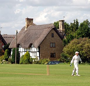 Village cricket at Elmley Castle, Worcestershire, England, UK. Image shot 2007. Exact date unknown.